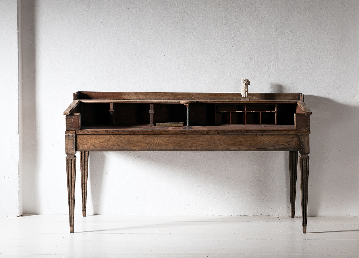 Outstanding North German Writing Table From Around 1800